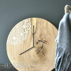 czarne zegary zegar powstał z miłości do drewna i minimalizmu